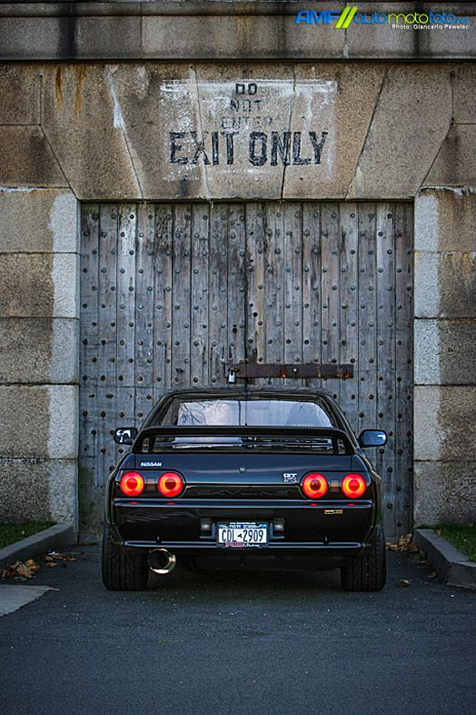 FB : https://www.facebook.com/fastlanetees   The place for JDM Tees, pics, vids, memes & More  THX for the support ;) 1989 Nissan Skyline R32 GTR