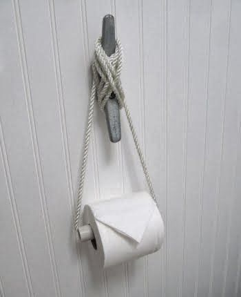 Best 25 seaside bathroom ideas on pinterest beach house decor seaside decor and rustic beach - Beach toilet paper holder ...