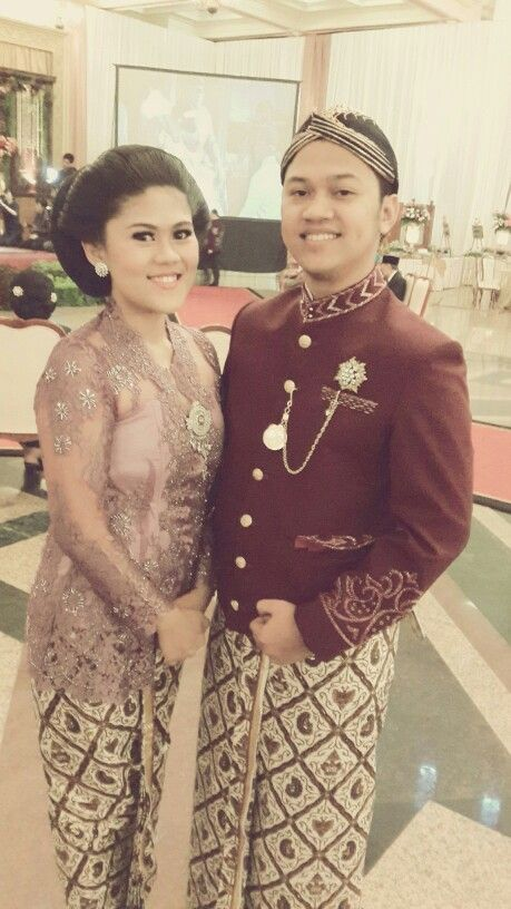 We wore #kebaya #jawa traditional outfit from Java Indonesia