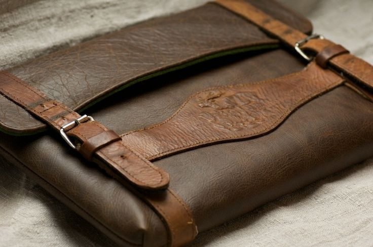 MacBook Lederhosenträger Dascherl - Hiasl von filzstueck auf DaWanda.com