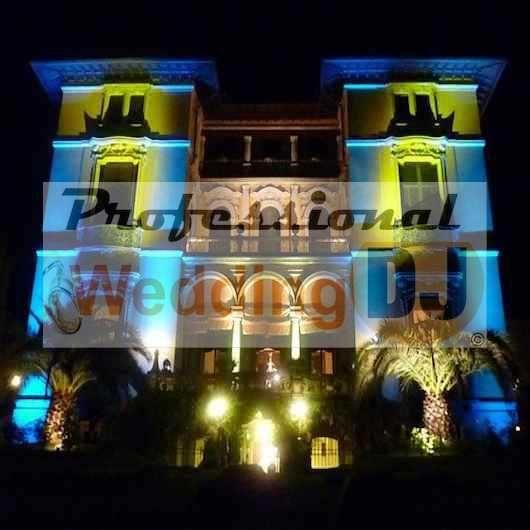 Illuminazione facciate ville e castelli per matrimoni di classe: ecco dove ne parliamo sul blog: http://professionalweddingdj.it/dj-matrimonio-luci-illuminazione-matrimonio/