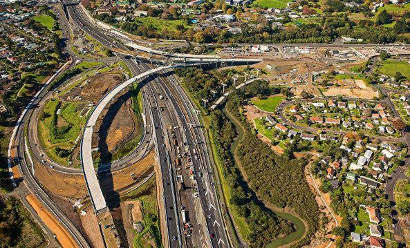 Year 10 students will find out about engineering careers through learning experiences based around New Zealand's most complicated roading project, the Waterview Connection. The educational initiative is called The Waterview Connection: A Learning Pathways Challenge.  The Learning Pathway Challenge encourages secondary students from invited schools to learn how engineers at Waterview go about their work. School-based learning and visits lead to a challenge event for students on September 4.
