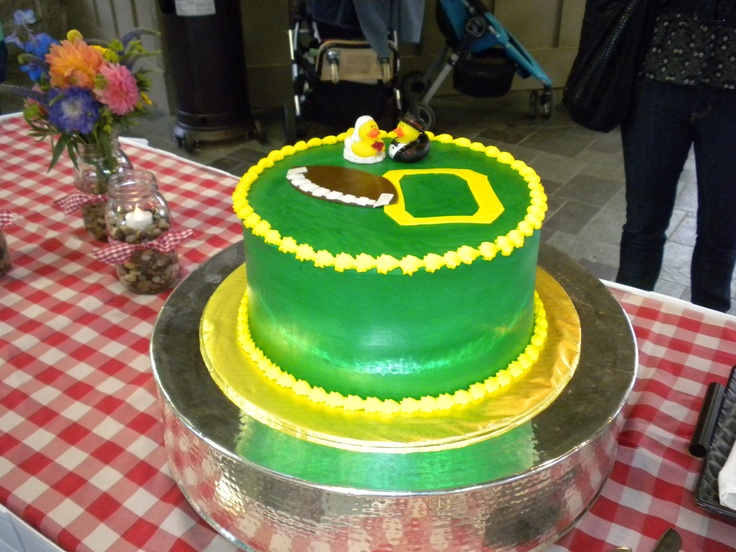 Rehearsal Dinner Cake With Their College Colors Go