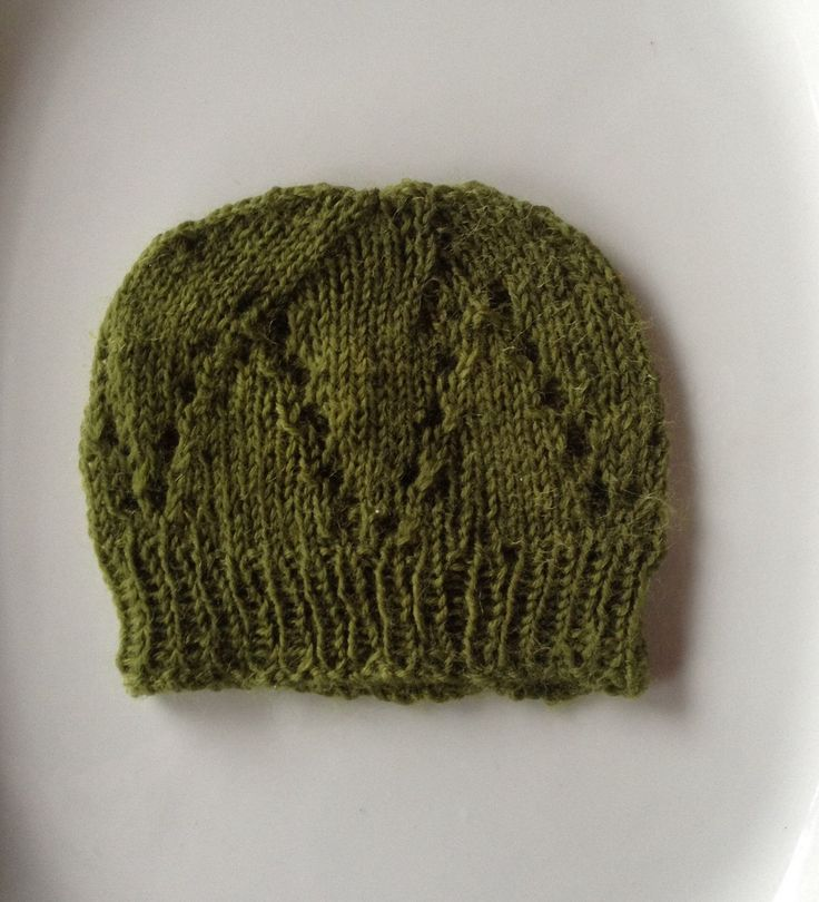 Urselifelts — Eyelet baby hat ( on ravelry )