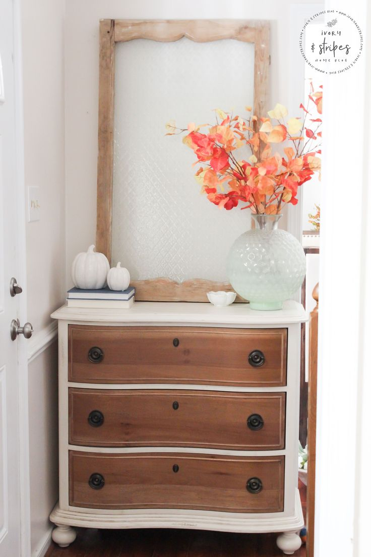 A Simple Fall Entryway
