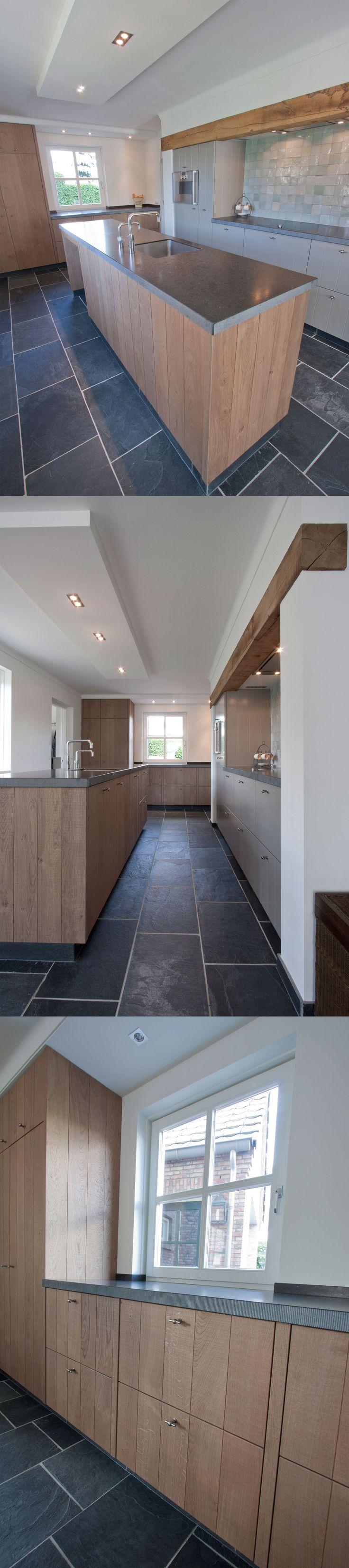 Corne de Keukenspecialist heeft het ontwerp 3D rendering en realisatie voor deze landelijk stoere keuken gerealiseerd. Toegepast : Massief eiken naturel - composiet werkblad Belgian Blue met gefrijnde rand - Gaggenau apparatuur