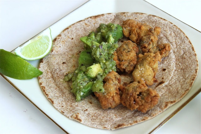 fried oyster tacos with tomatillo-avocado salsa | 20something cupcakes