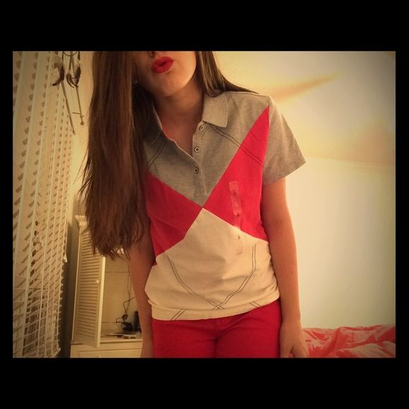 TOMMY HILFIGER SHIRT NWT❤️ Tommy Hilfiger shirt:) just tried on for the picture, brand new Tommy Hilfiger Tops