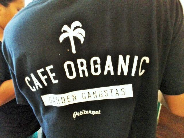 新・バリの素(もと): バリ島お洒落な街スミニャックのカフェ・オーガニック(cafe organic)