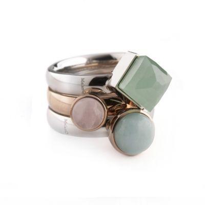 MelanO Twisted, ik heb 2 staalkleurige en 2 rosé ringen. Steentjes: rosé: donkerblauw goud gespikkeld, lichtblauw en tijgeroog. zilver: mat groen, groen en helder grijs - Aanvullingen welkom ...