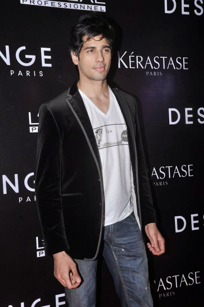 Siddharth Malhotra at Dessange Salonand Spa Launch.
