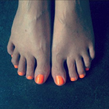 How to get rid of thick or dry foot skin | A Model Recommends