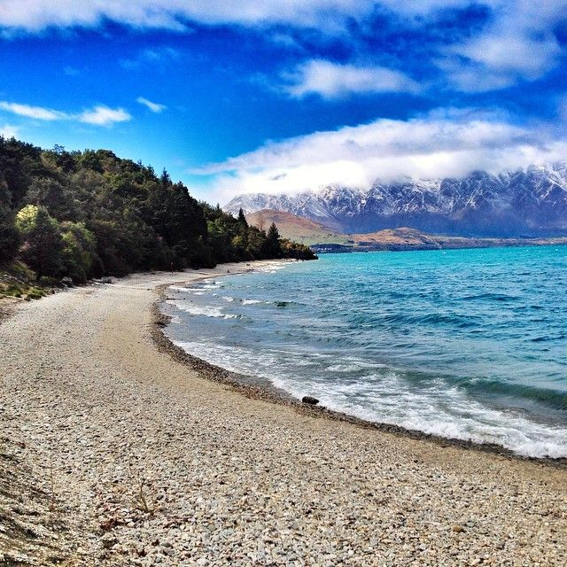 If in doubt, in a grump or just plain bored get outside! It does wonders. #sunshinebay #running #queenstown