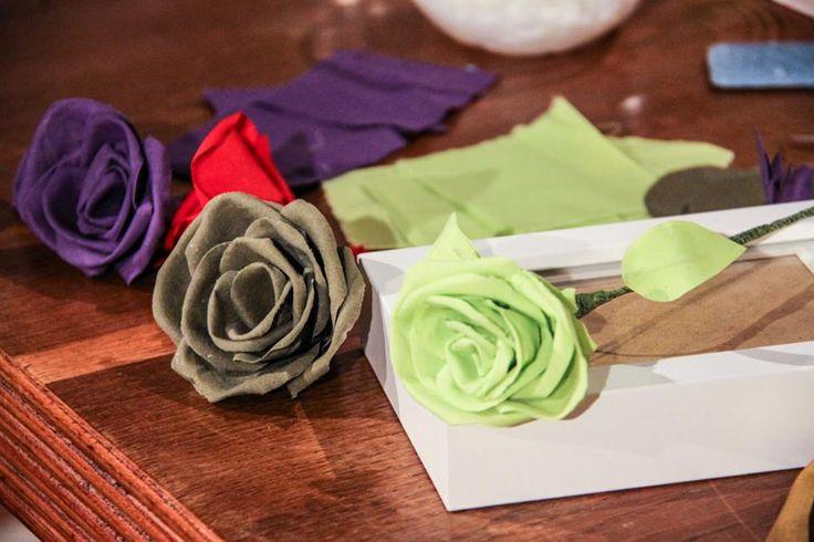 Le rose di stoffa di Anna Borrelli - Detto fatto 10/12/14 Ideali per decorare la casa