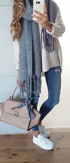 40 Pretty Outfit Ideas For This Winter - #winteroutfits #winterstyle #winterfashion #outfits #outfitoftheday #outfitideas #bossbabe #womensfashion