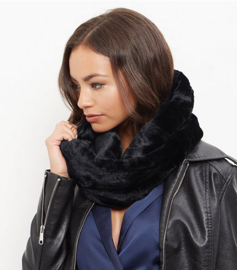 Black Faux Fur Snood | New Look