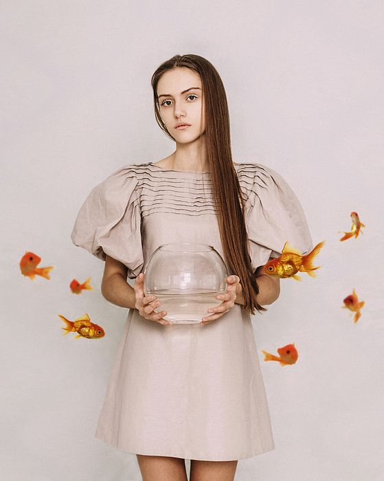Thoughts of Freedom. Series Escape of Golden Fish by Inna Mosina.  #RussianArtistsNewWave #InnaMosina #Woman #StagePhotography