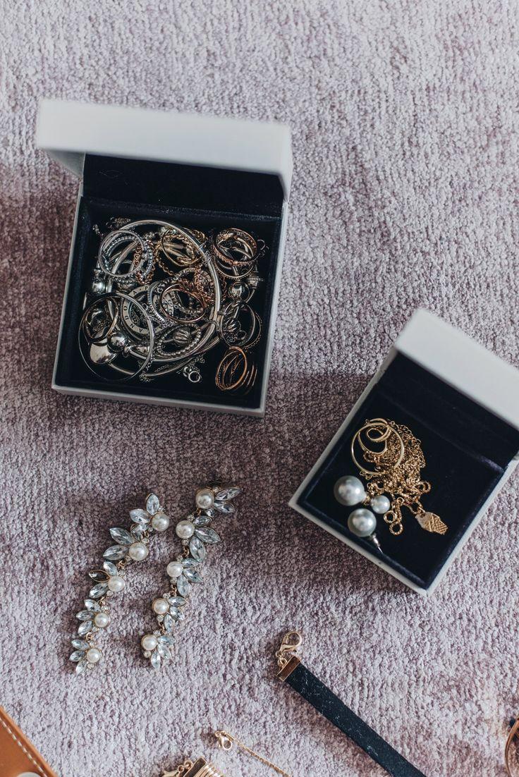 More on www.fashiioncarpet.com  Fashion Week Essentials, Schmuck, minimalistischer Schmuck, Silber und Goldschmuck