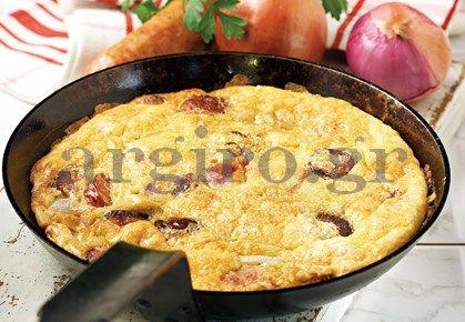 Ομελέτα φούρνου με πατάτες και λουκάνικο