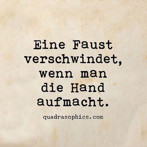 #Quadrasophics #quadrasophics #düsseldorf #frieden #weihnachtsgeschenk #weihnachtsgeschenke #dekoartikel #zuhause #flüchtlinge