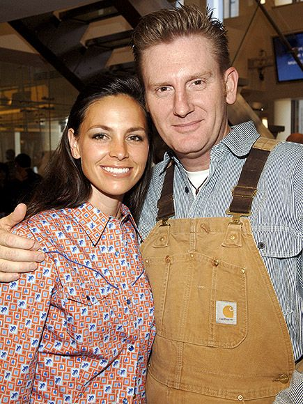 """Joey and Rory Feek: Their Touching Love Story 
