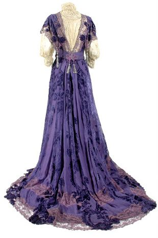 Deep iris coupe des velours silk chiffon gown, House of Worth,  circa 1903.