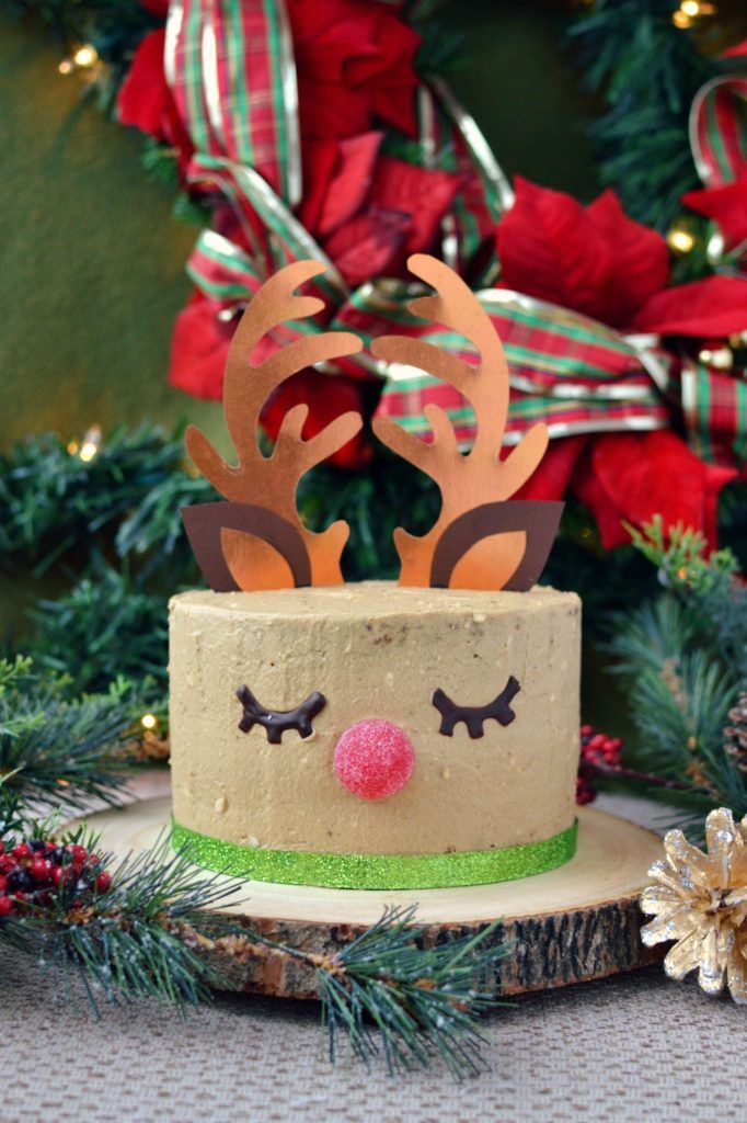 Vegan Reindeer Gingerbread Cake | http://www.radiantrachels.com/vegan-reindeer-gingerbread-cake/