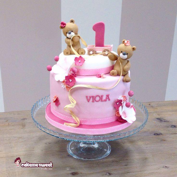 Teddy bear first birthday cake for GIRLS by Cakemesweet di Naike Lanza Facebook.com/sweetcakemenay  Www.cakemesweet.com