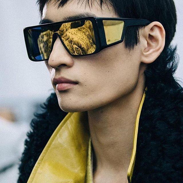 An amazing insight of @tomford FW18 show! 😎🤩 Looking forward to see the whole collection! 😍😍😍⠀ _______________________________________________________ ⠀ Ein fantastischer Einblick in die @tomford FW18 show! 😎🤩 Wir können es kaum erwarten die komplette Kollektion zu sehen! 😍😍😍⠀ . .⠀ .⠀ ⠀ #eyewear #fashion #design #fashionshow #tomford #allabouttheeyes #sunglasses #eyewarblogger #eyewearfashion #TOMFORDFW18