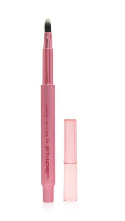 Retractable Lip Brush by Real Techniques. Apply your lipstick, lip gloss or stain with retractable lip brush even when you're on the go, brush features an ultra firm tapered tip that can applies color smoothly. You can carry this lip brush everywhere you go, since it has a compact size. http://www.zocko.com/z/JJUz1