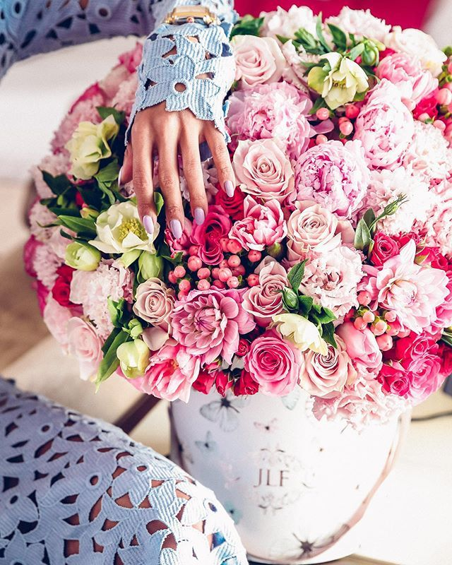 Show Love And Respect To The Strong Loving Worth It All Women In Your Life On March 8 International Women In 2020 Fresh Flower Delivery Flower Boutique Flower Delivery