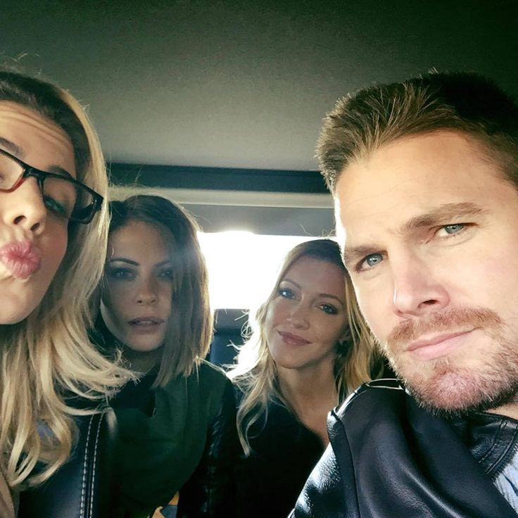 Emily Bett Rickards, Willa Holland, Katie Cassidy, and Stephen Amell