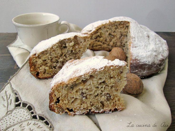 Una torta di stagione con noci miele e yogurt soffice e proprio buona per tutta la famiglia Ricetta dolce al forno La cucina di ASI
