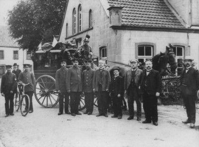 Bild: Die letzte Fahrt der Postkutsche von Ibbenbüren nach Hopsten bei Rheine am 30. Juni 1909