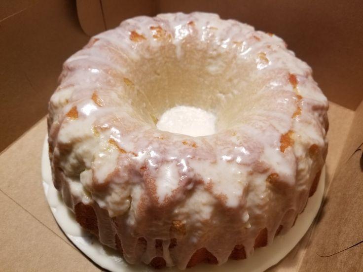 Whipping cream pound cake..... recipe on the back os Swans down cake flour box!!😍😍