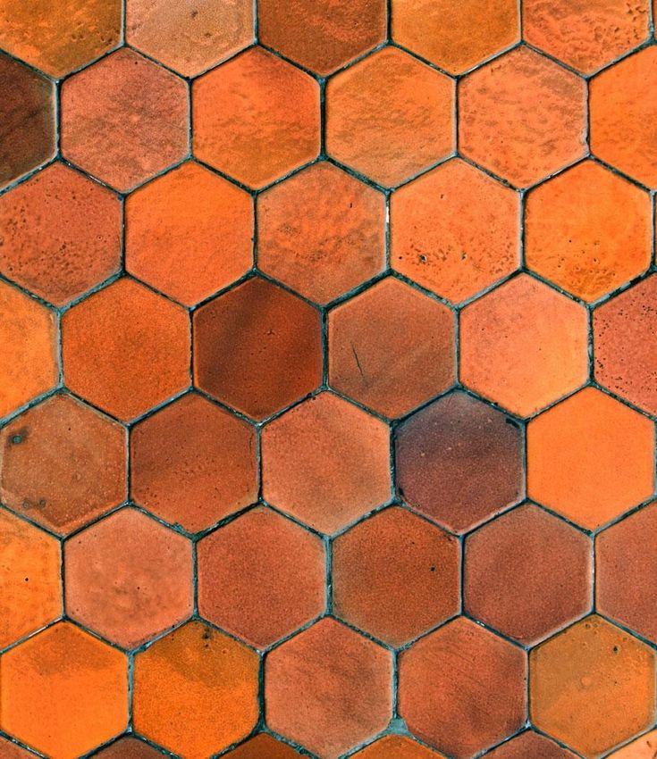 Hexagon Tile, hele mooie warme kleurschakering. Ook beschikbaar voor buitenkant van het huis?