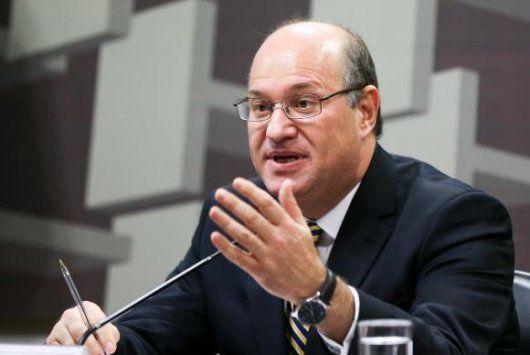 Presidente do BC diz que Brasil vive recessão mais severa da história - http://po.st/V1wACe  #Economia - #Banco-Central, #BC, #FMI, #Inflação