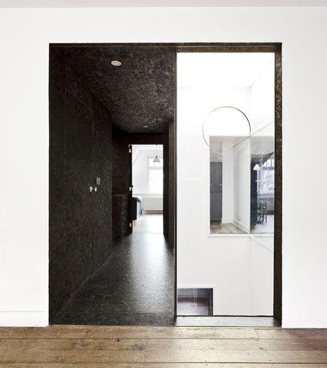 Black and white: Fiatlux, Labels Architecture, White Interiors Design, Black White Interiors, Commercial Design, White Interior Design