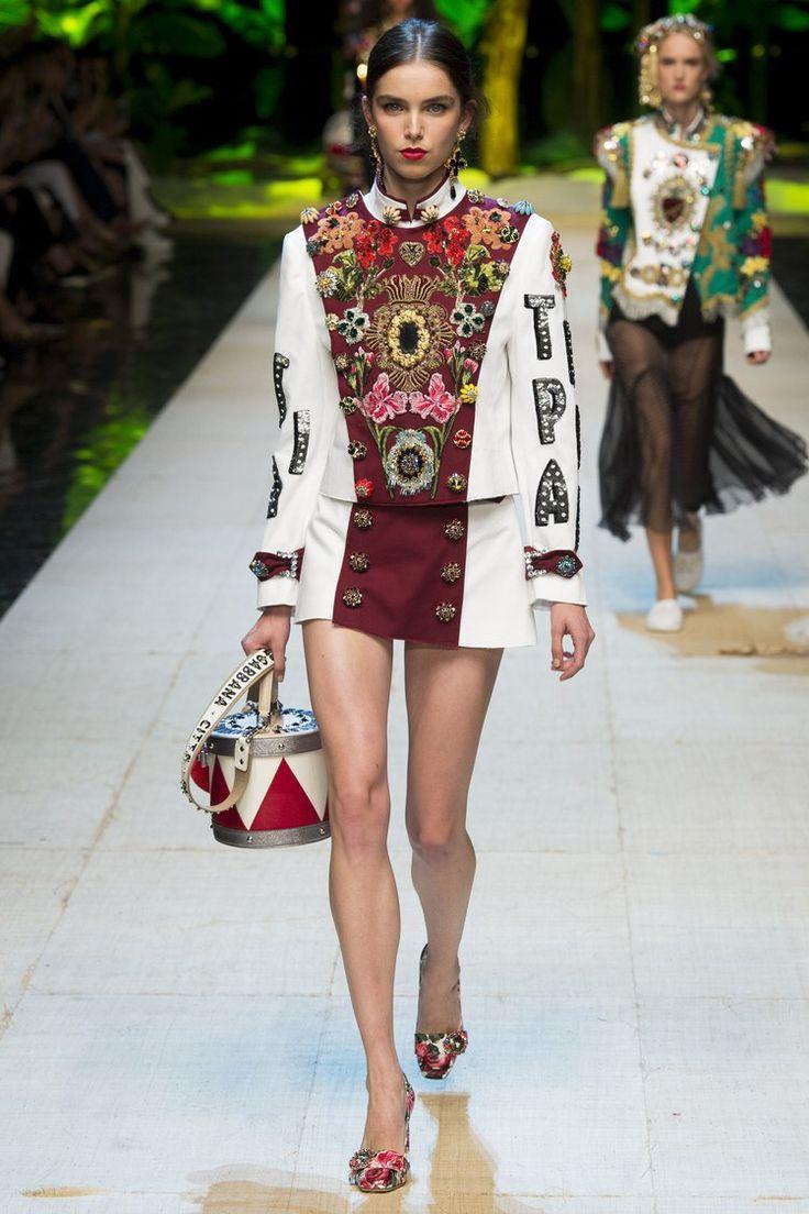 Dolce & Gabbana - Spring 2017 Ready-to-Wear
