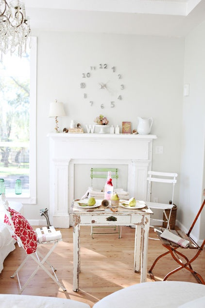 Eclectic living room by Dreamy Whites