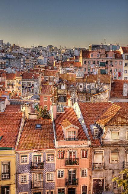 Ruas da Fé e do Telhal (São José) | Lisbon, Portugal