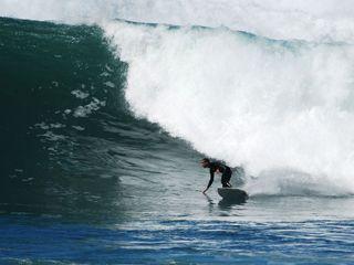 A Escola SURFMILFONTES é o local certo para quem escolhe as praias de Milfontes e quer aproveitar da melhor maneira as ondas da região. // Surfmilfontes School is the right place for those who choose Milfontes beaches and want to take full advantage of the area's waves and surf.