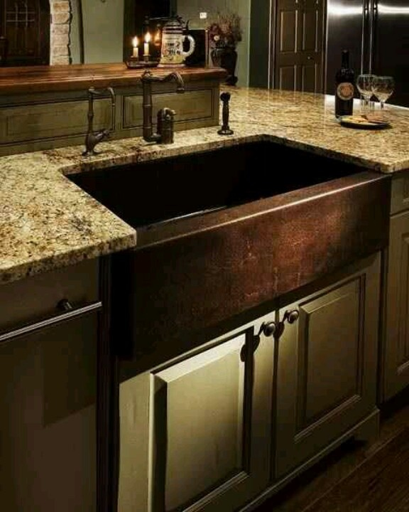 Love the copper sink Kitchen/Dining Room Pinterest