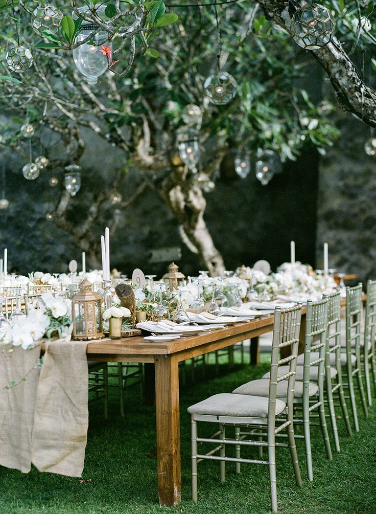 Enchanted garden wedding decor of green, gold and earthy tones {Facebook and Instagram: The Wedding Scoop}