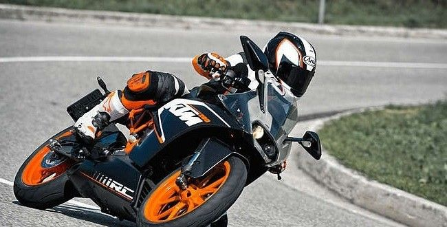 KTM BIkes In India Get Dearer By Up To INR 9,000 http://www.carblogindia.com/price-list-of-ktm-bikes-in-india/