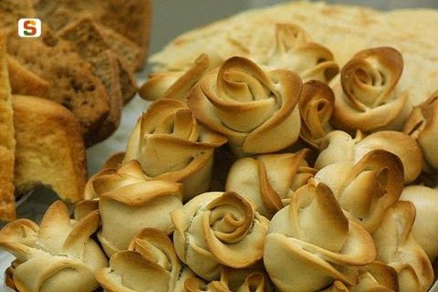 Beautifully made Sardinian bread :) It is called Su Coccoi and it is one of the most significant breads in the Sardinian tradition.