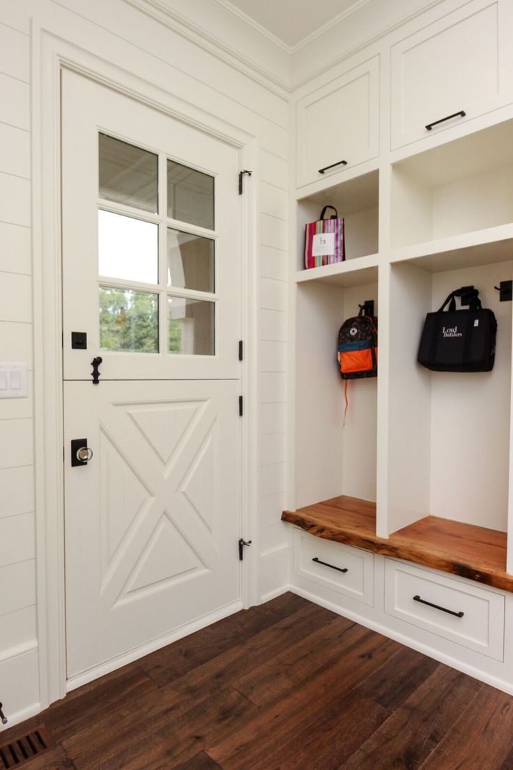 The 25+ best DIY exterior dutch door ideas on Pinterest ...
