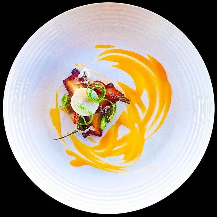 Gochujang braised then crisped pork belly • Carrot+ginger purée • Ponzu blistered shishito • Miso glazed carrot • Pickled shallot + daikon + jalapeño + fresno chili • Kimchi, scallion & citrus by @marquisderad #GourmetArtistry Refer to previous post for more information on purée techniques.