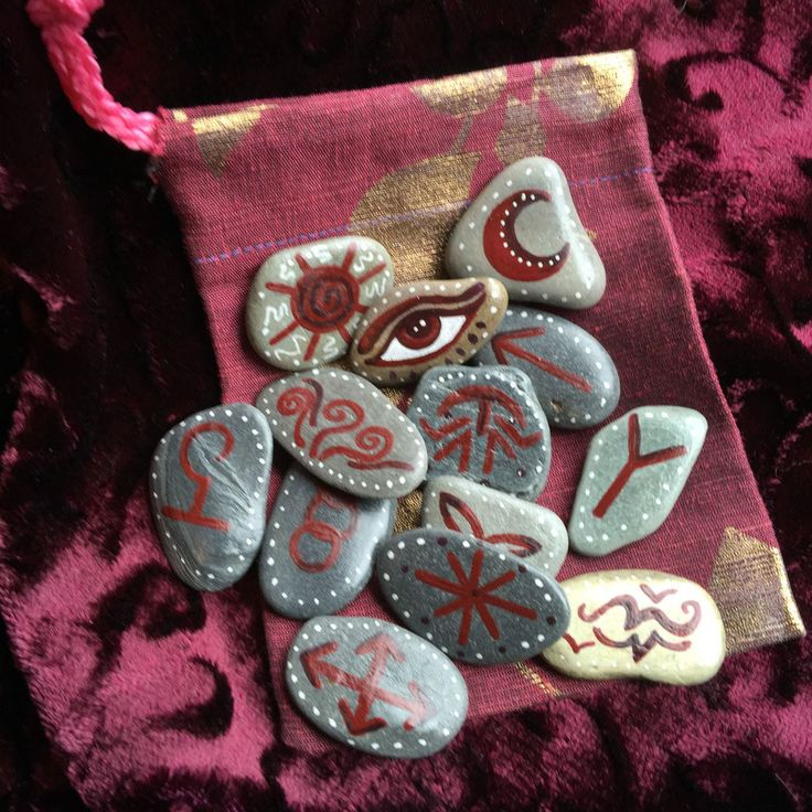 13 Sea Stone Witches Runes & Pouch. Rune Set. Divination Charms Pagan Witch Fae