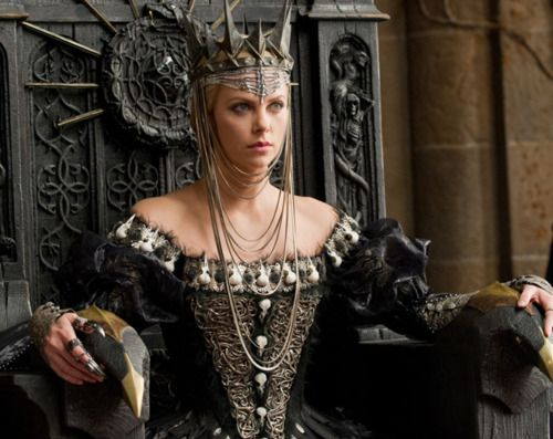 Queen Ravenna in Snow White and the Huntsman (2012): Charlize Theron ruled